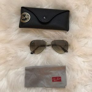 Ray-Ban aviator sunglasses with gradient lenses